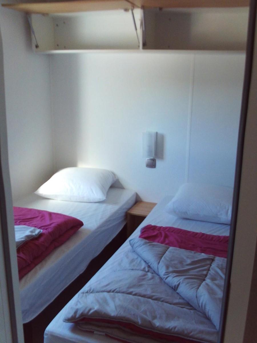 mobil home avec deux chambres