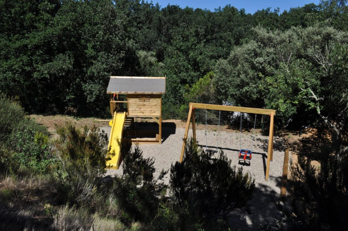 aire de jeux enfants du camping le Boulou Pyrénées Orientales