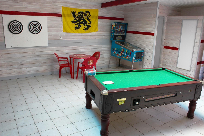 Camping avec salle de jeux